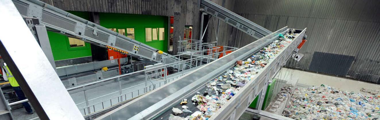 Для сортировки мусора изобрели оптическую установку